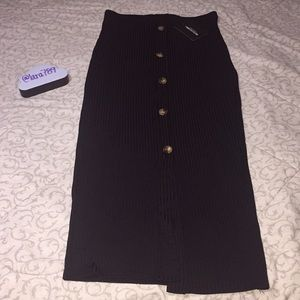 PrettyLittleThing Black Button Front Midaxi Skirt